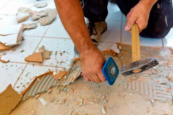 Демонтаж старого покрытия или пола