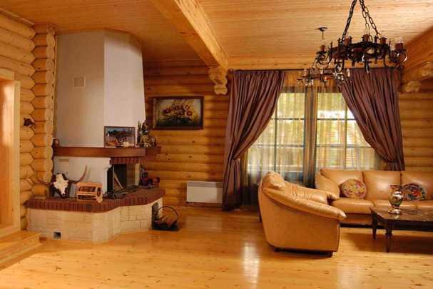 Уют и неповторимость вашего жилища — натяжные потолки в деревянном доме