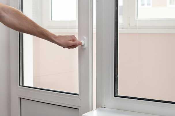 Как сделать красивый и безопасный порог на балкон?