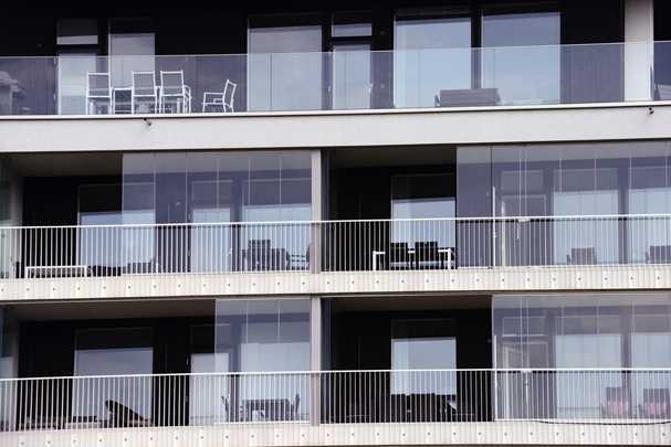 Как утеплить алюминиевый профиль на балконе, пока он не превратился в кусок льда?