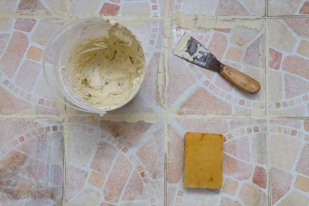 Как сделать красивую затирку швов плитки, которая прослужит очень долго