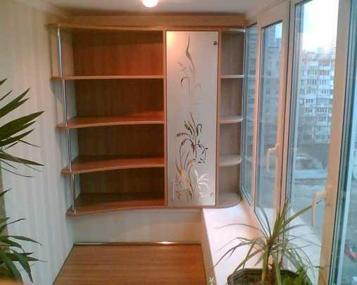 Как сделать шкаф на балконе красивым и многофункциональным: инструкции и фото идей
