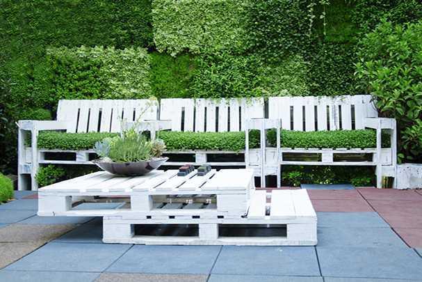 Изготовление садовой мебели из поддонов своими руками: инструкция и фото-примеры