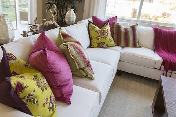 Пошив декоративных подушек для дивана своими руками