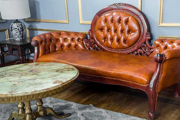 Как сделать диван Честер — воплощение английского стиля своими руками